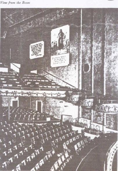 Один из залов, в которых проповедовал бр. Рассел