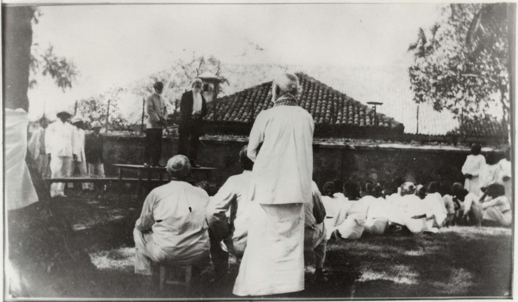 6j-1912, February 1 - Pastor Russell Speaking To Men Lepers - Ceylon - Leper Island 1024x597