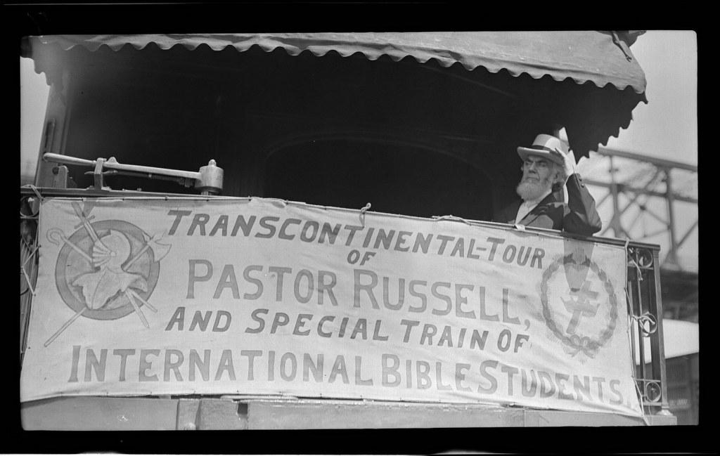 I12 - 1911, June 13-14 - Awaiting Departure, Hat On - Kansas City, MO 1024x649