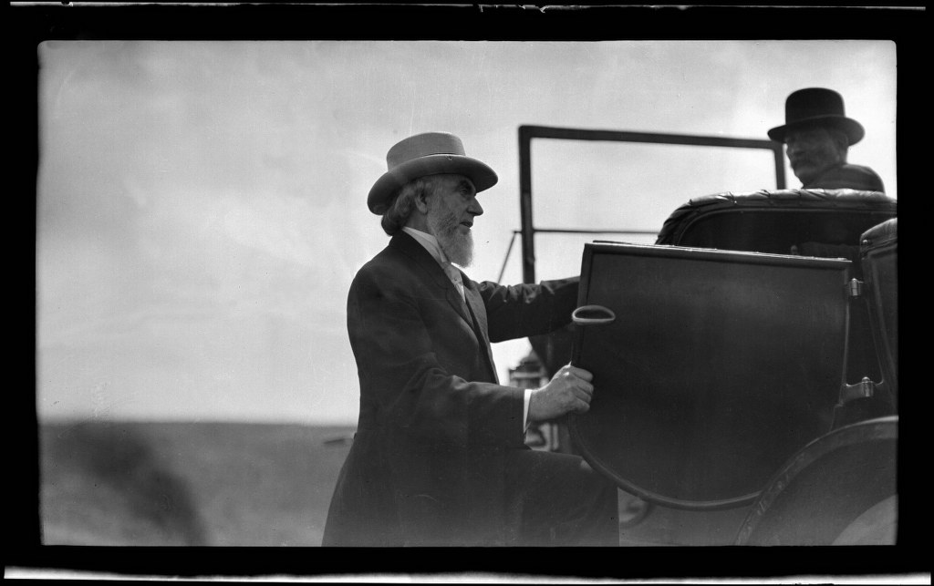 I23 - 1911, June -July - Boarding A Car - Fogged Negative - Retouched 1024x643