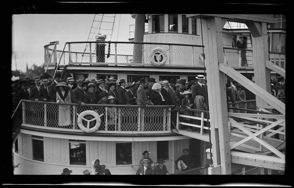 I47 - 1911, July 4 - Victoria, BC Canada - Boat Ride 1024x654