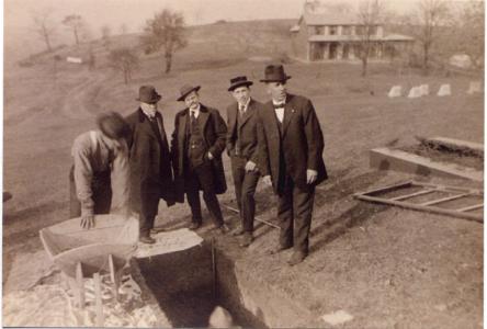 23-Приготовление могилы бр. Рассела